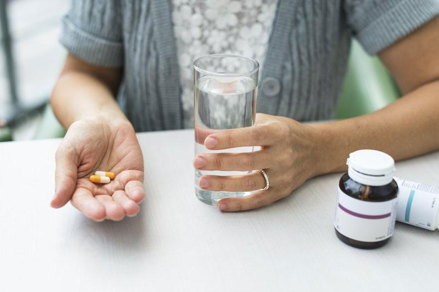 Через сколько можно пить таблетки после молока